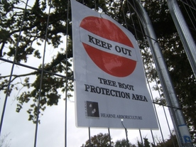 Photo of sign saying keep out